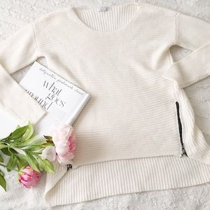 BarIII Off White Black Side Zipper Sweater